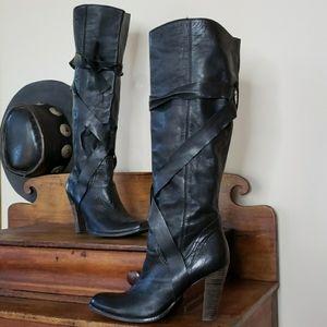 STEVE MADDEN Histeria Boots Black Leather Heels 10